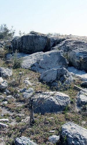 norcross-madagascar-sun-minerals-madagascar-labradorite-quarry-extraction